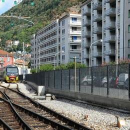 In centro spuntano nuovi muri  Barriere antirumore per i treni