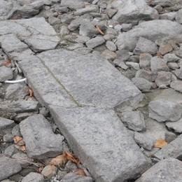 San Siro, il lago si abbassa  E spuntano i resti di una chiesa