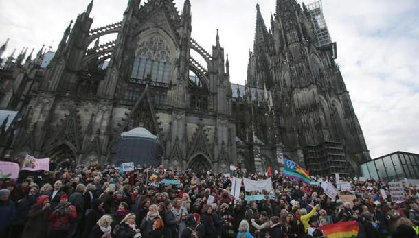 colonia: Pegida, manifestazione sospesa