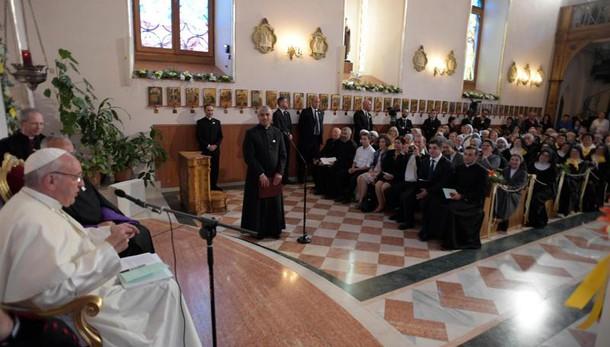 Papa: guerra per distruggere matrimonio