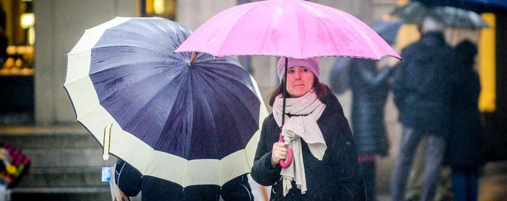 Como, piogge forti in serata  Miglioramento da sabato pomeriggio
