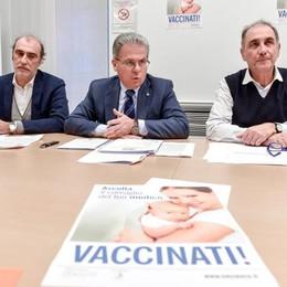 Calo dei vaccini, allarme dei medici  «Un pericolo per tutti»