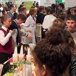 Young, a Lariofiere il futuro dei giovani  Trecento le scuole presenti