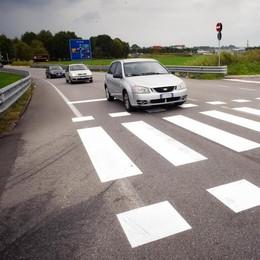 Pronti semaforo e strisce  «Ma è a rischio il traffico»