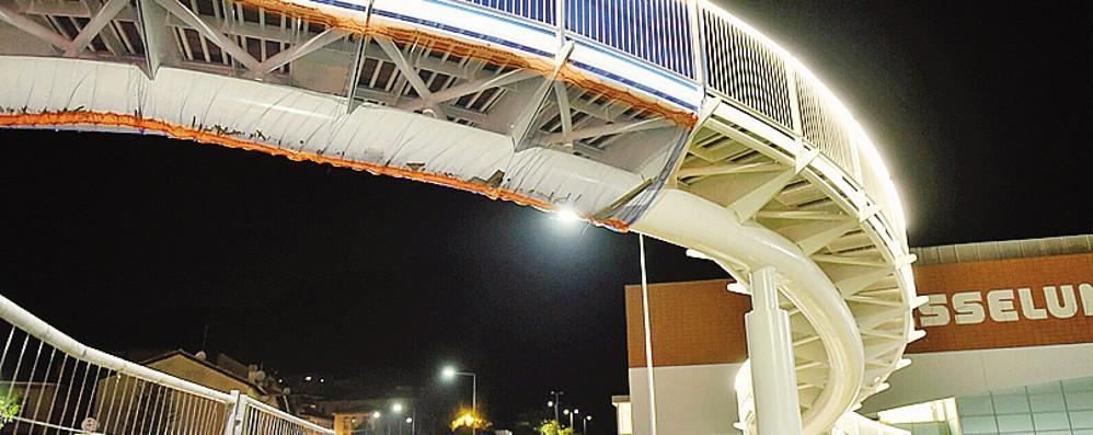 Trevitex, ormai ci siamo  Spettacolare illuminazione  per il ponte pedonale