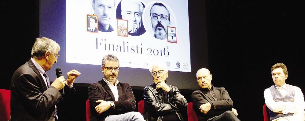 Suspence per il premio Manzoni  La vittoria ad  Andrea Tarabbia