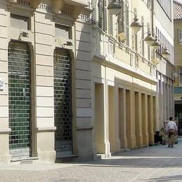 Cantù, sindaco contro gli orari liberi  «Danneggiano i piccoli negozi»