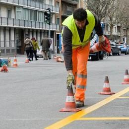 Parcheggi per i residenti, nuovo bando  Como, caccia a 1.900 posti auto gialli e blu