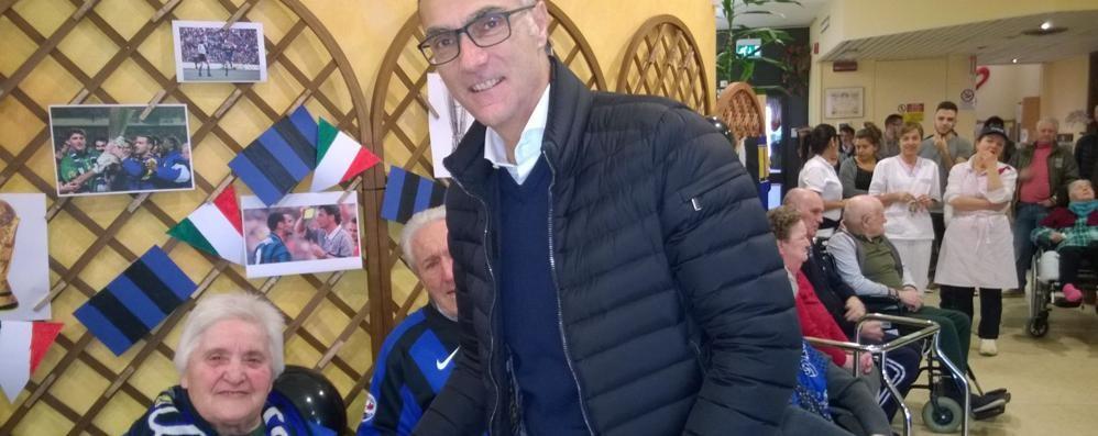 Bergomi incontra i nonni   «Campione per sempre»