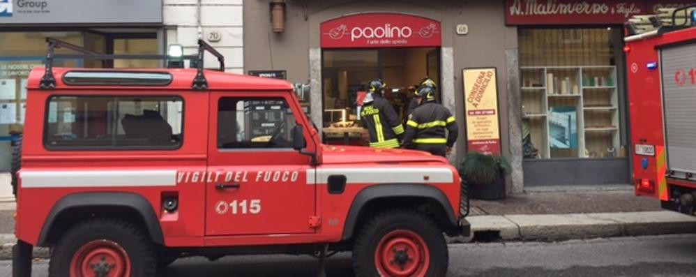 """Como, principio di incendio  da """"Paolino"""" in via Milano"""