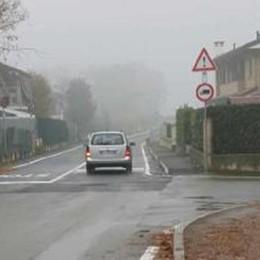 """Rovellasca, apre la """"strada infinita""""  Diciotto mesi di lavori per 200 metri"""