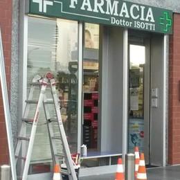Blitz dei ladri a Solbiate  Spaccata in farmacia