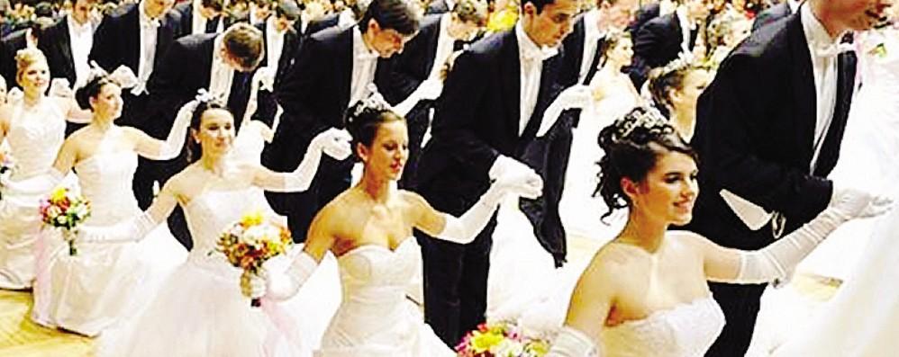 Serata da favola al teatro Sociale  Gala e  ballo delle debuttanti