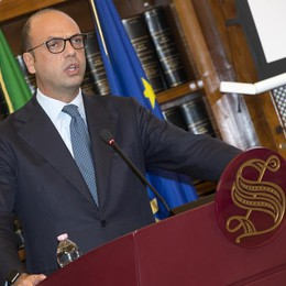 Alfano, con No si avrà Grillo premier