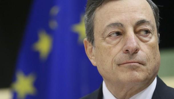 Draghi, debito Italia sostenibile