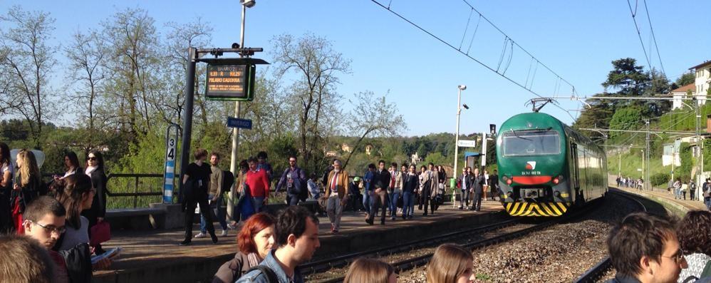 Treni, mattinata da dimenticare  per i convogli della Milano-Asso