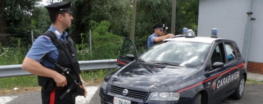 Lomazzo, «Venti euro per la benzina»  Attenti al finto carabiniere