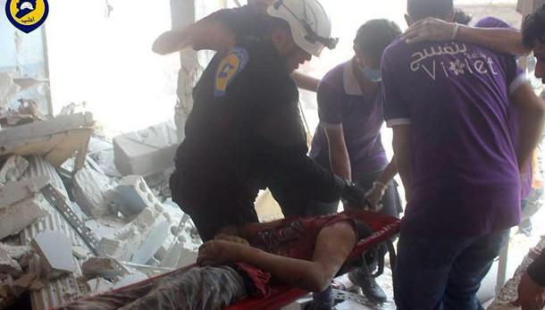 Siria: 10 civili uccisi in raid Idlib