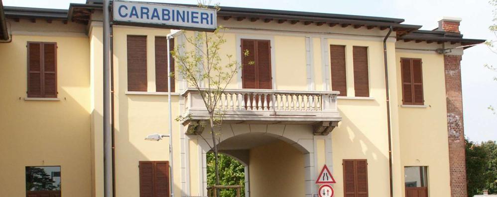 Cadorago. finto carabiniere chiede soldi  Denunciato dai veri militari