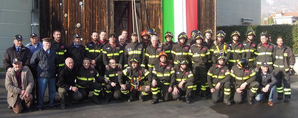 Erba, i pompieri in festa  Applausi al decano Miotto