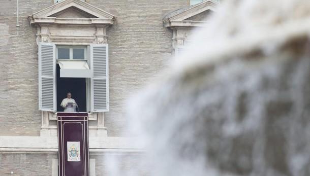 Papa, disarmo e abolire armi nucleari