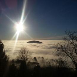 Risveglio con la nebbia  Spettacolo da Brunate
