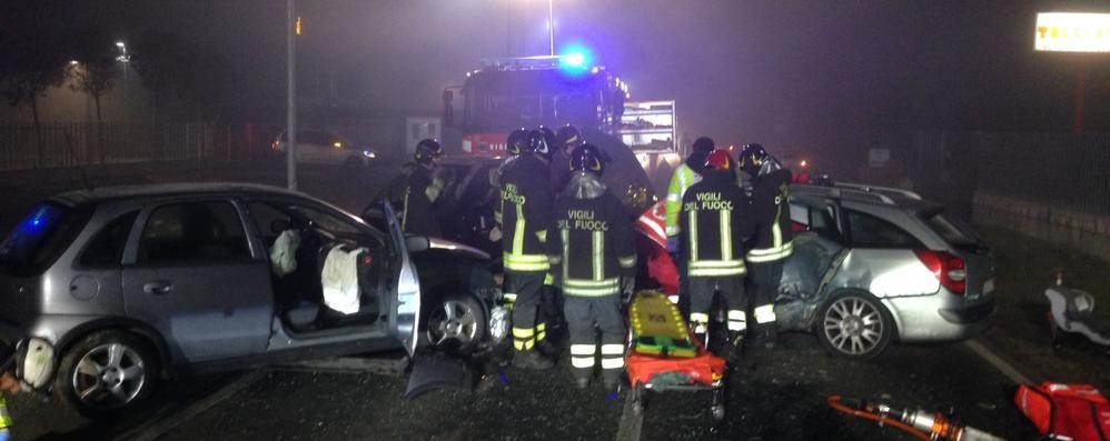 Scontro a Cassina Rizzardi  Tre persone in ospedale