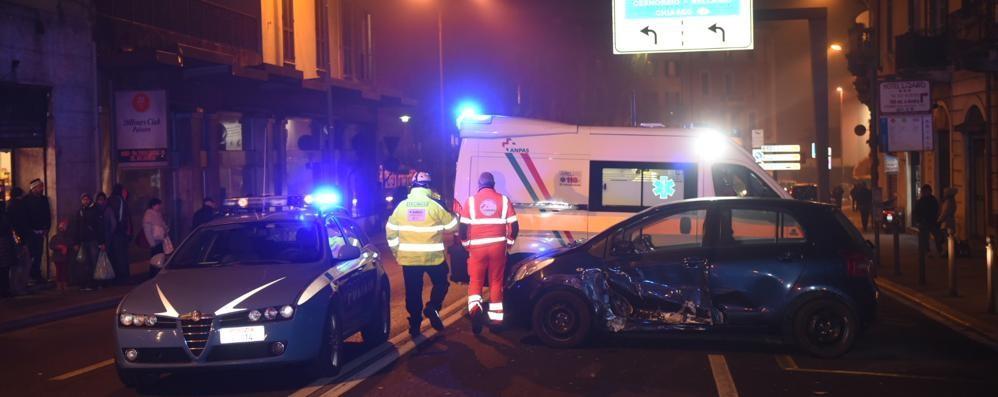 Maxi incidente in via Napoleona Coinvolti quattro veicoli, traffico in tilt
