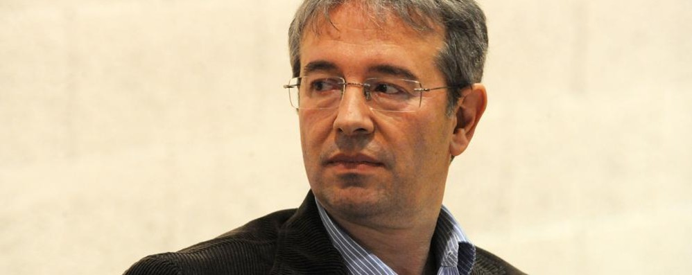 Nuovo sindaco di Como Il Pd fa la corte a Battarino