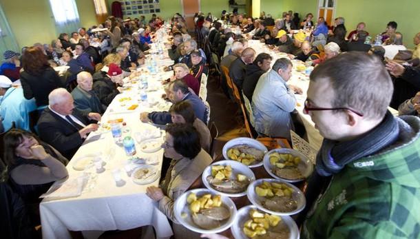 S.Egidio, pranzo per 800 poveri a Roma