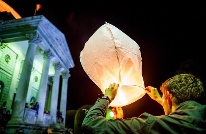 Como Tempio Voltiano raduno lancio di Lanterne Cinesi