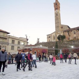 """Cantù, San Silvestro senza """"botti""""  Aperta la pista del ghiaccio"""
