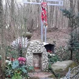 Cantù, vandali nei boschi  Rubata Madonna dell'800