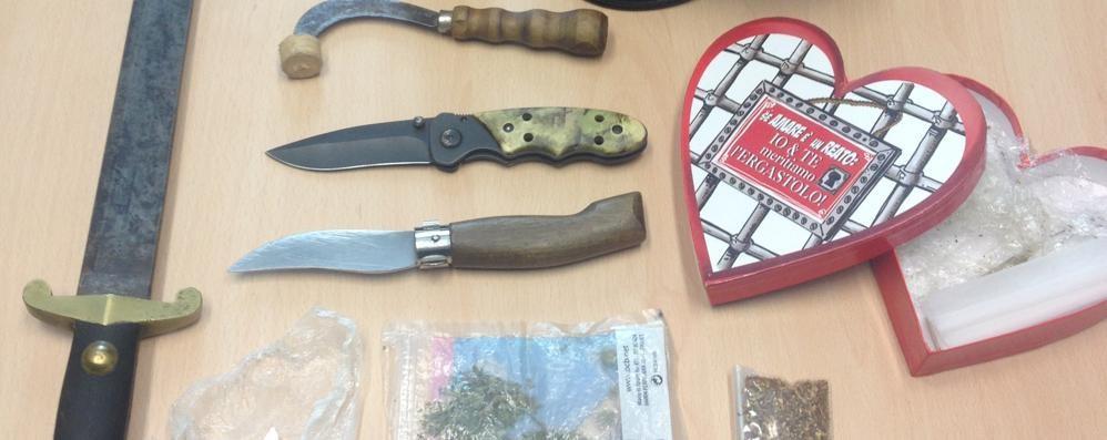 Droga e armi in casa  Denunciato a Casasco d'Intelvi