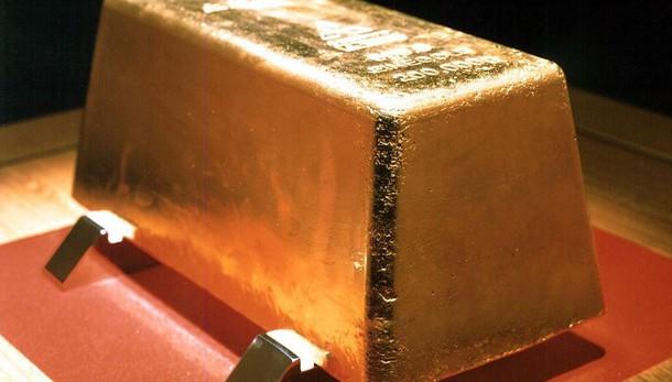 Oro: scende a 1.225 dollari