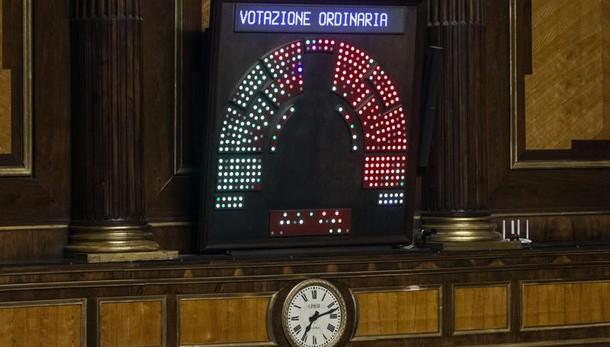 Unioni:Gotor,Renzi non governa divisioni