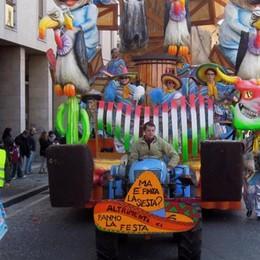 Cantù, oltre duemila alla sfilata  Si salvano i conti di Carnevale
