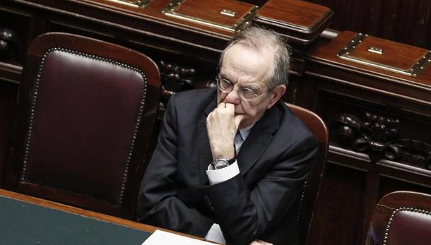 Italia, superministro finanze e Bond Ue