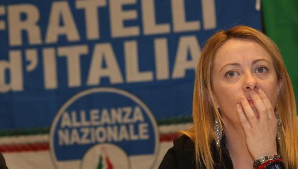 Roma: Meloni, stop a mercatini Rom