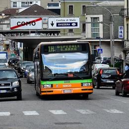 Minacciano l'autista dell'autobus  Denunciati due giovani turchi