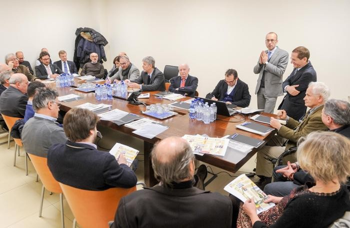 Un momento del forum in redazione a La Provincia