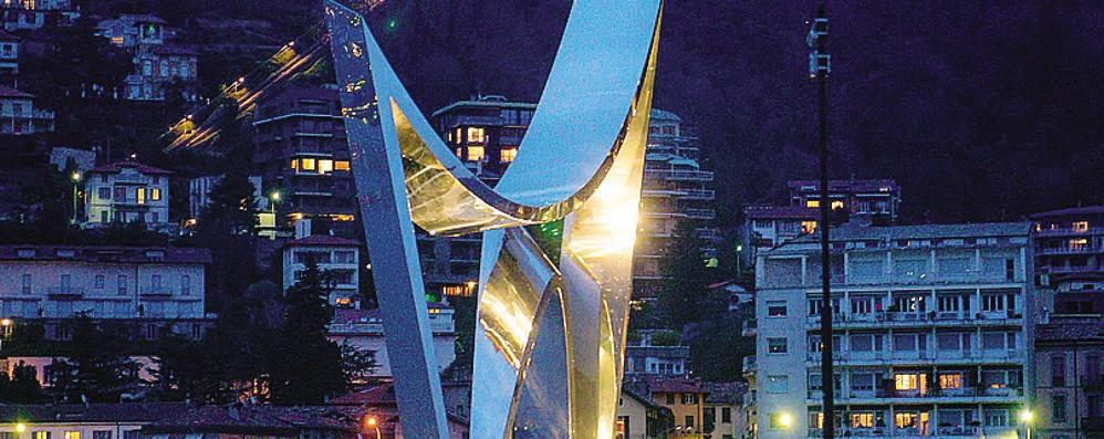 Libeskind, vi piace   la luce dorata sul monumento?