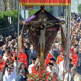 Processione e Giubileo  La preghiera con il vescovo