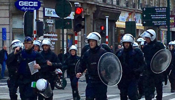 Bruxelles: incidenti hooligan, polizia