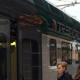 Milano Asso, treni in ritardo   Adesso è rivolta