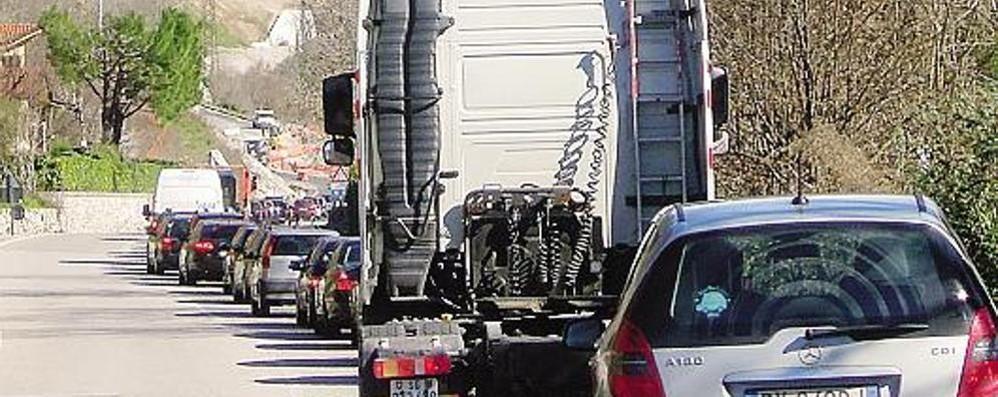Cantiere di Pusiano  Semaforo spento  nel fine settimana