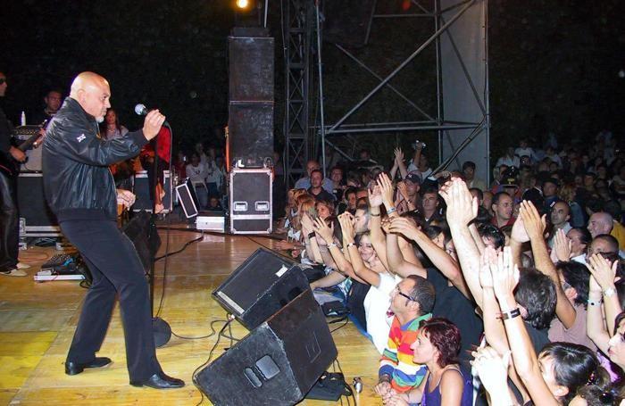 Il concerto di Enrico Ruggeri nel 2004