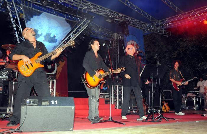 Maurizio Vandelli sul palco nel 2009