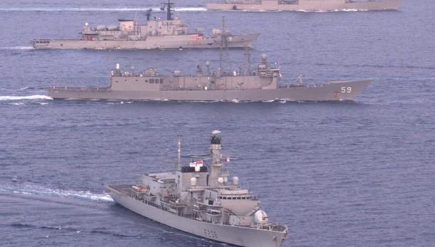 Egeo, navi Nato contro traffico migranti