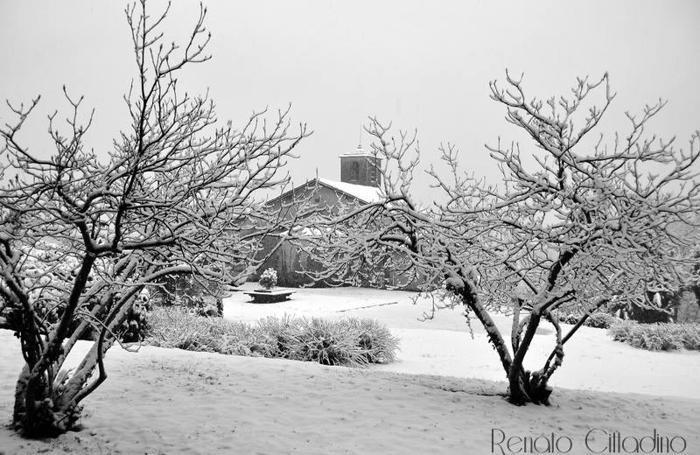 Neve a Drezzo al santuario dell'Assunta. Foto di Renato Cittadino